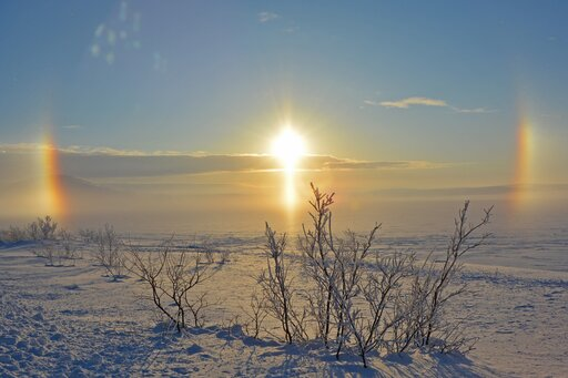 Pozorna wędrówka Słońca po sferze niebieskiej