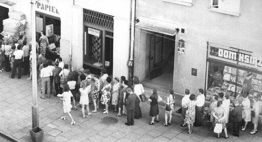 Przemiany społeczno-gospodarcze wPolsce wlatach 1950–1955