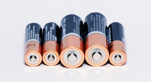 0586 Siła elektromotoryczna źródła energii elektrycznej