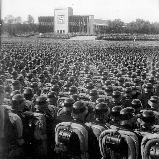 Totalitaryzm – dżuma XX wieku