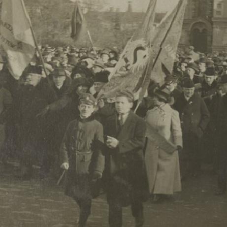 Ku zjednoczeniu. Odzyskanie przez Polskę niepodległości