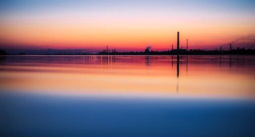Wpływ działalności gospodarczej człowieka na zmniejszenie się warstwy ozonowej