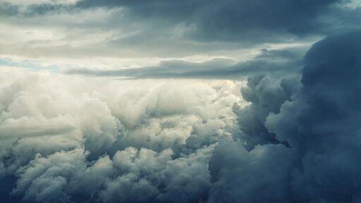 Burze iwyładowania atmosferyczne