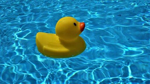 0203 Badanie pływania ciał wróżnych ośrodkach