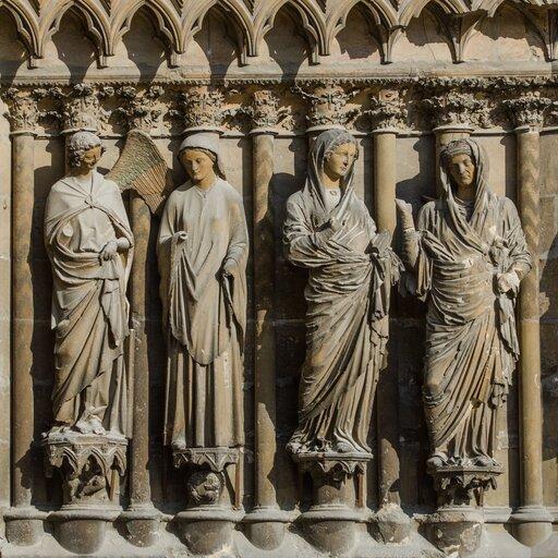 Różnorodność form wrzeźbie gotyckiej na zachodzie Europy