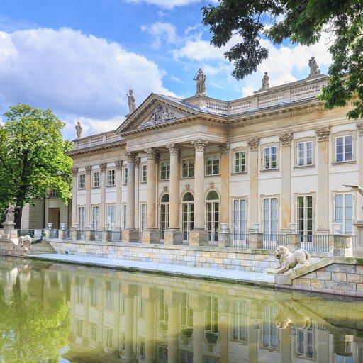 Moda na architekturę starożytną - klasycystyczna budowla ijej cechy