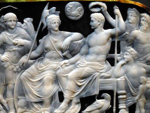 Oktawian August: genialny mąż stanu czy cyniczny tyran?