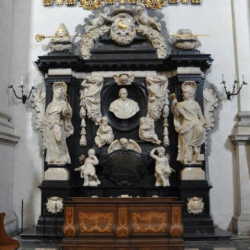 Barokowa rzeźba nagrobkowa