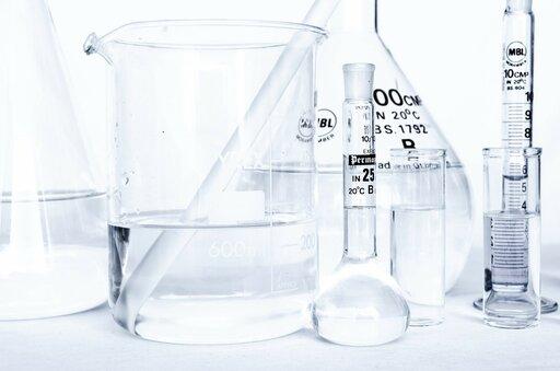 Jak przeliczyć stężenie procentowe roztworu na stężenie molowe?