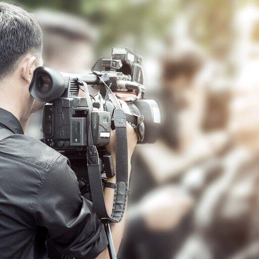 Szkolne wydarzenie – tworzę film dokumentalny ze zdjęć