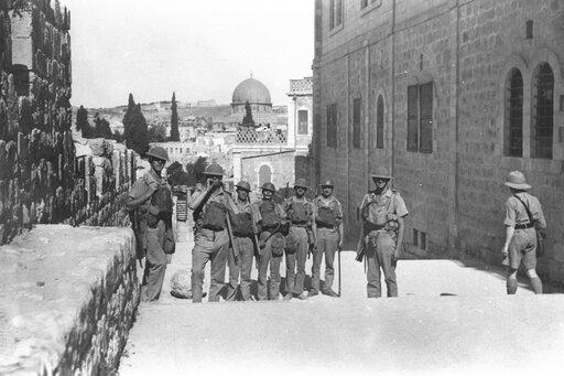 Wojna wszystkich ze wszystkimi: mandaty brytyjski ifrancuski na Bliskim Wschodzie.