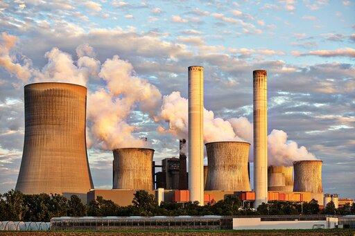 Krajobrazy Polski: krajobraz przemysłowy (np. Dąbrowa Górnicza – obszar kombinatu metalurgicznego)