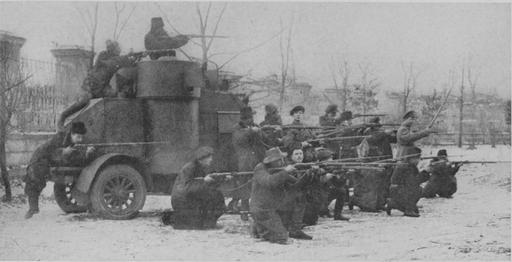 Walka oprzetrwanie. Rosja bolszewicka wlatach 1918–1921