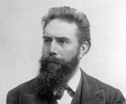 0837 Kim był Wilhelm Conrad Röntgen?