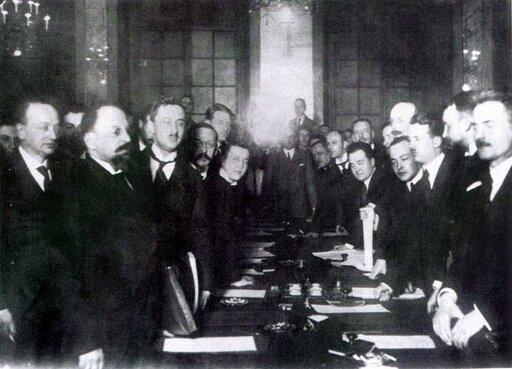 Ostatni etap zmagań owschodnią granicę Polski. Traktat ryski oraz kwestia wileńska wlatach 1920–1921