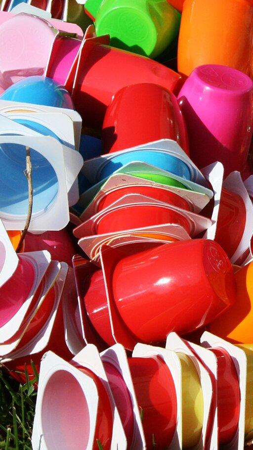 Jakie opakowania ztworzyw sztucznych stosuje się do pakowania żywności?