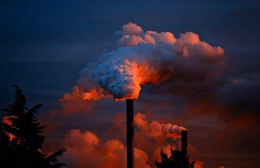 Jakie substancje chemiczne zanieczyszczają atmosferę, wody igleby?