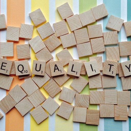 Równania równoważne