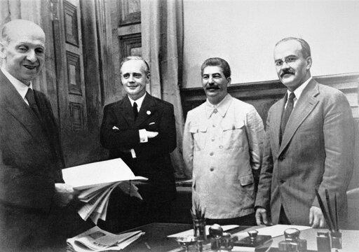 Ku ostatecznemu rozstrzygnięciu. Cele wojenne Stalina iHitlera