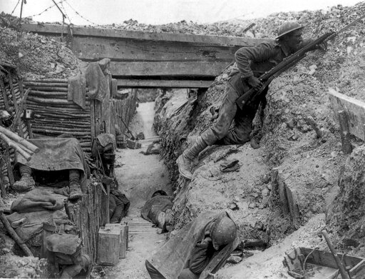"""""""Na zachodzie bez zmian"""". Sytuacja na froncie zachodnim wlatach 1915–1916"""